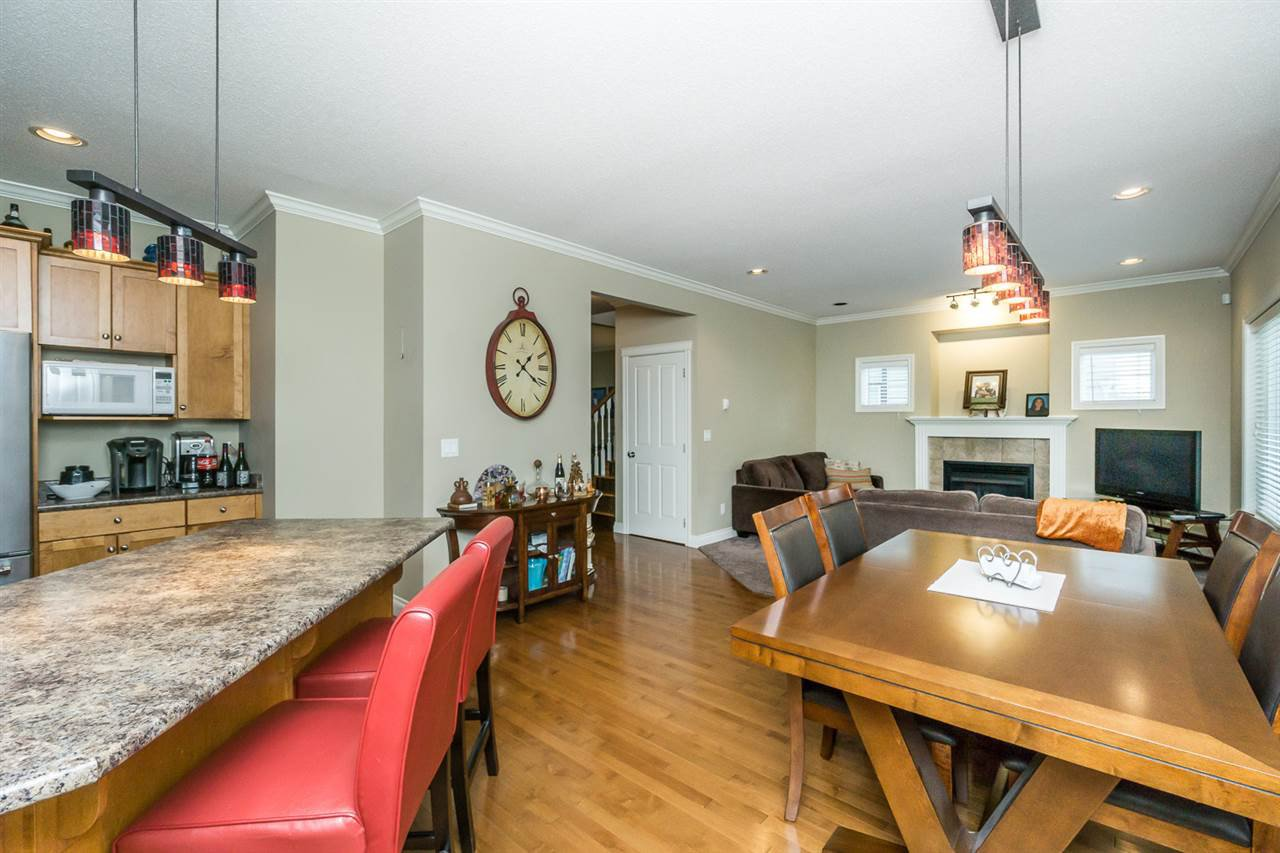 """Photo 8: Photos: 4382 BLAUSON Boulevard in Abbotsford: Abbotsford East House for sale in """"Auguston"""" : MLS®# R2191722"""