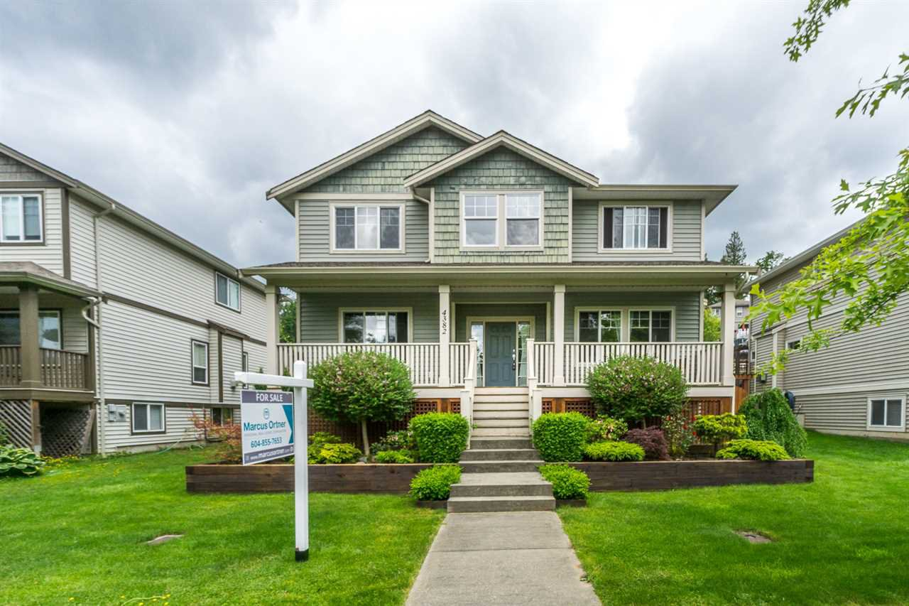 """Main Photo: 4382 BLAUSON Boulevard in Abbotsford: Abbotsford East House for sale in """"Auguston"""" : MLS®# R2191722"""