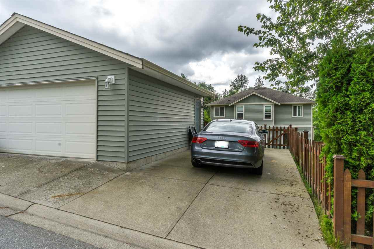 """Photo 20: Photos: 4382 BLAUSON Boulevard in Abbotsford: Abbotsford East House for sale in """"Auguston"""" : MLS®# R2191722"""
