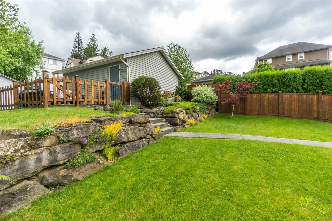 """Photo 19: Photos: 4382 BLAUSON Boulevard in Abbotsford: Abbotsford East House for sale in """"Auguston"""" : MLS®# R2191722"""
