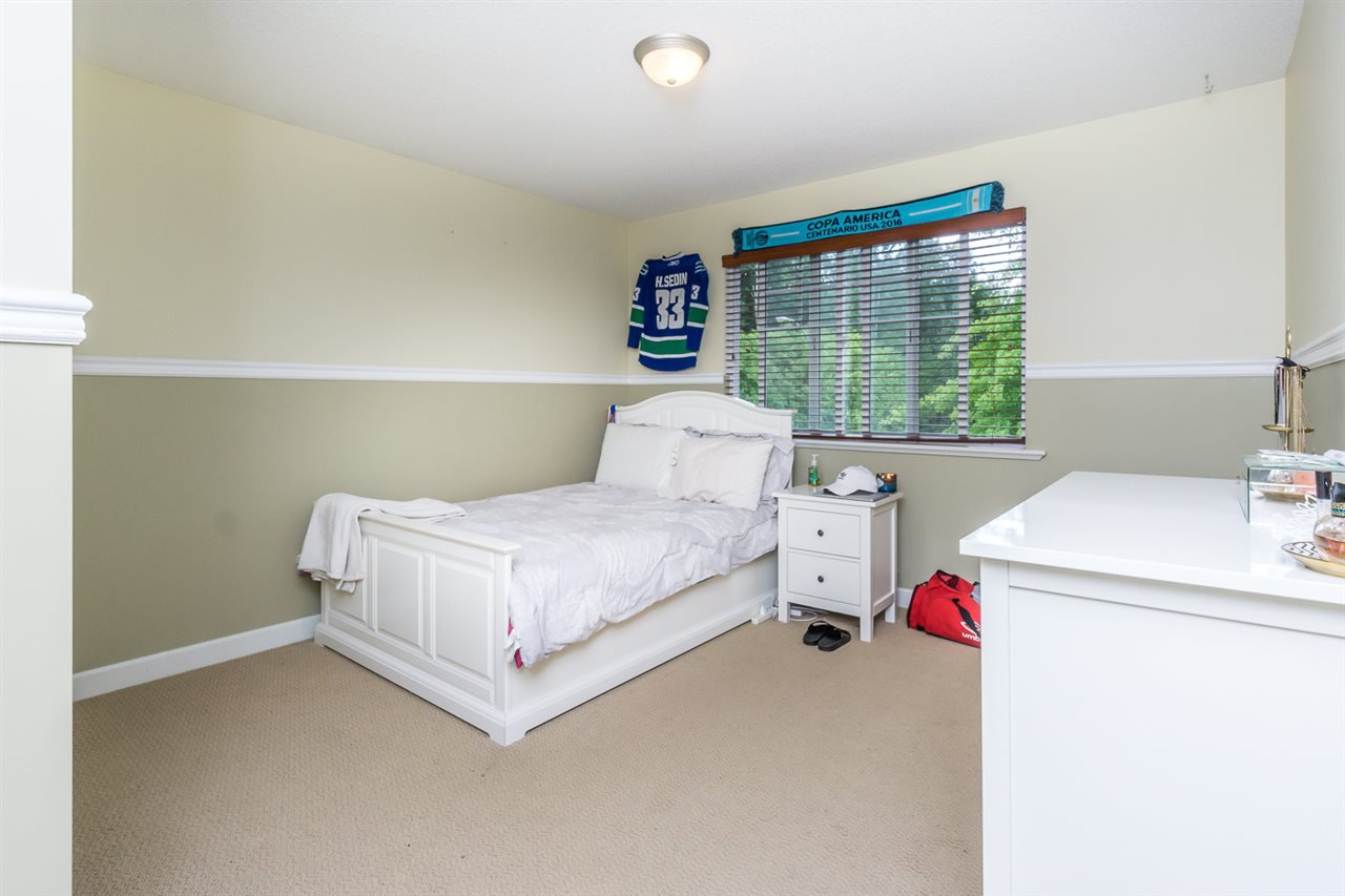 """Photo 15: Photos: 4382 BLAUSON Boulevard in Abbotsford: Abbotsford East House for sale in """"Auguston"""" : MLS®# R2191722"""