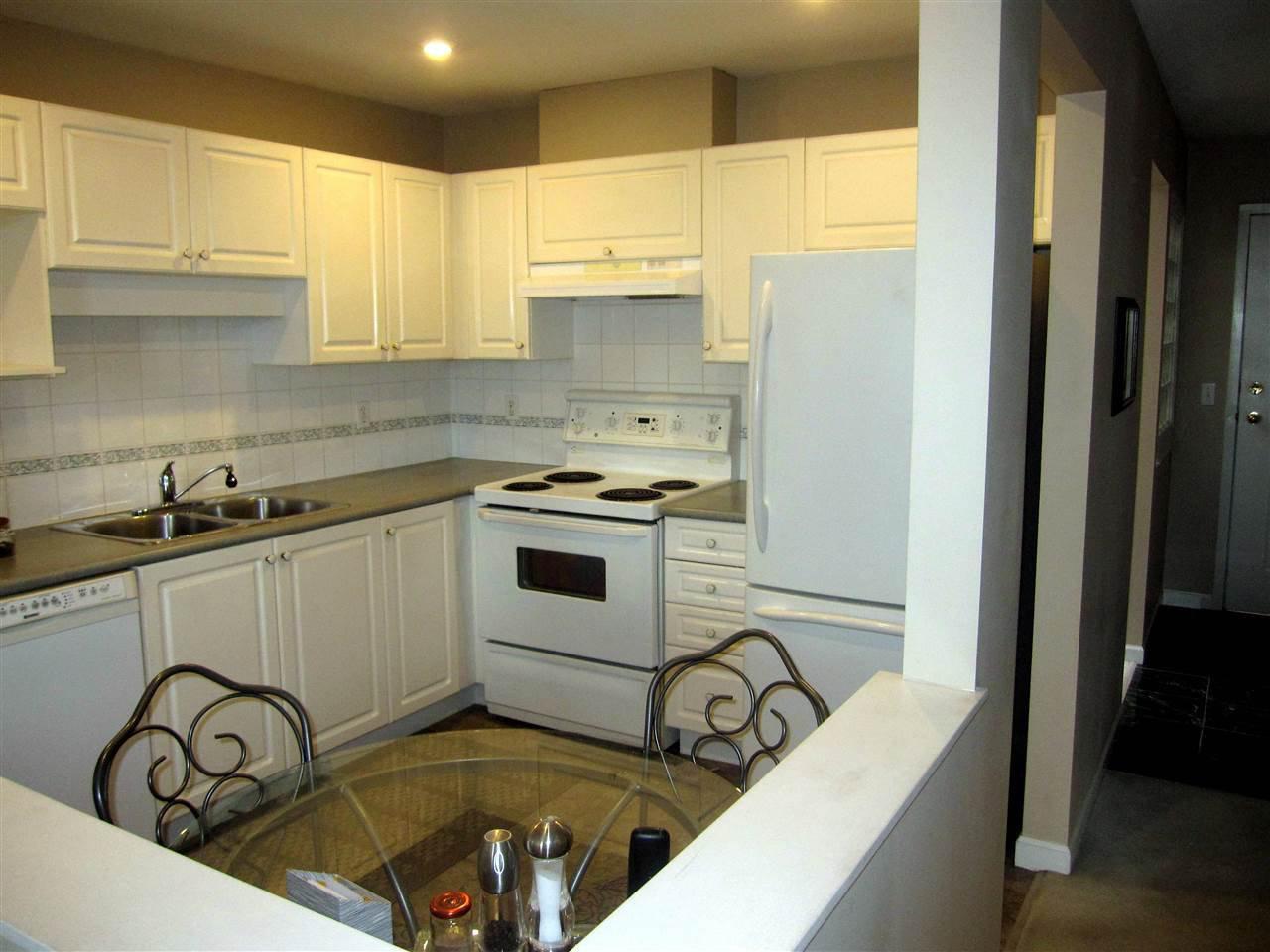 "Photo 5: Photos: 411 12155 191B Street in Pitt Meadows: Central Meadows Condo for sale in ""EDGEPARK MANOR"" : MLS®# R2242064"