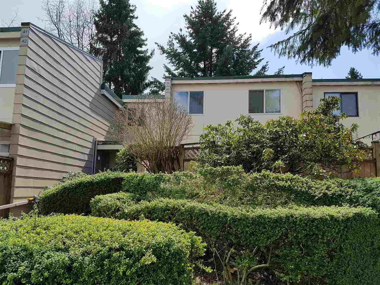 """Main Photo: 39 10555 153RD Street in Surrey: Guildford Townhouse for sale in """"guildford mews"""" (North Surrey)  : MLS®# R2255781"""
