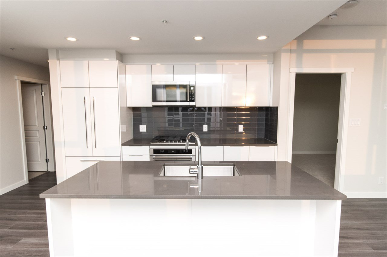 """Photo 6: Photos: 2403 3100 WINDSOR Gate in Coquitlam: New Horizons Condo for sale in """"LLOYD"""" : MLS®# R2311925"""