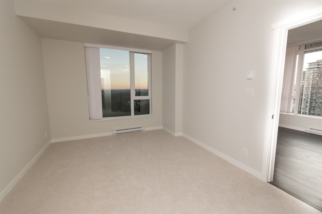 """Photo 8: Photos: 2403 3100 WINDSOR Gate in Coquitlam: New Horizons Condo for sale in """"LLOYD"""" : MLS®# R2311925"""