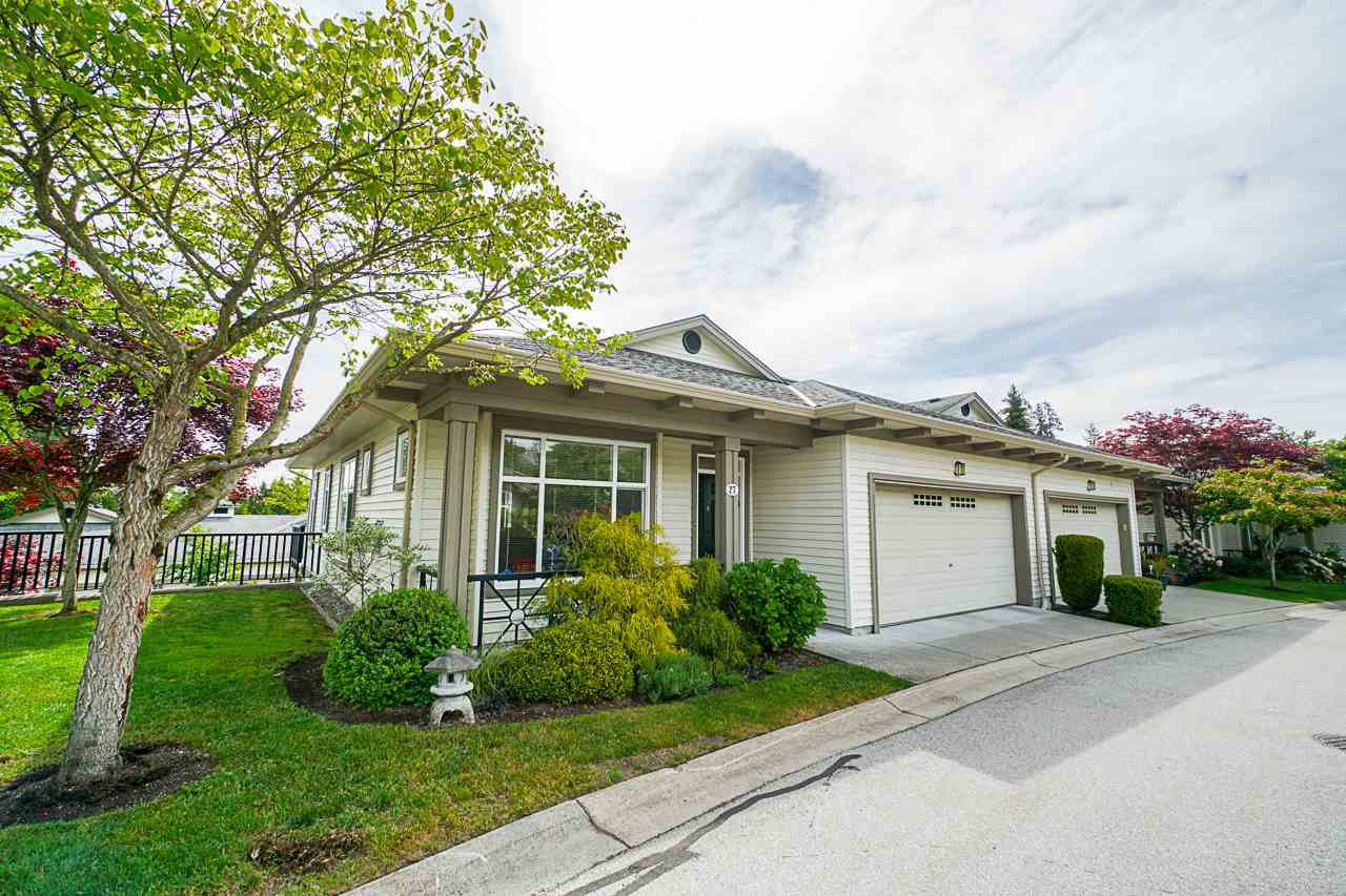"Main Photo: 27 15188 62A Avenue in Surrey: Sullivan Station Townhouse for sale in ""Gillis Walk"" : MLS®# R2371193"