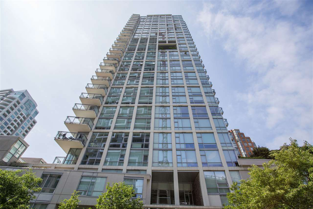 "Main Photo: 1504 1455 HOWE Street in Vancouver: Yaletown Condo for sale in ""POMARIA"" (Vancouver West)  : MLS®# R2387626"