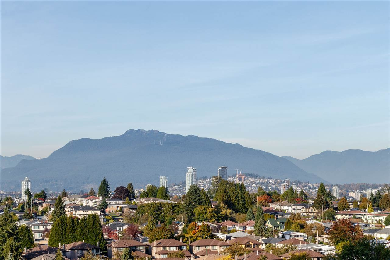 Main Photo: 1203 5665 BOUNDARY Road in Vancouver: Collingwood VE Condo for sale (Vancouver East)  : MLS®# R2413367
