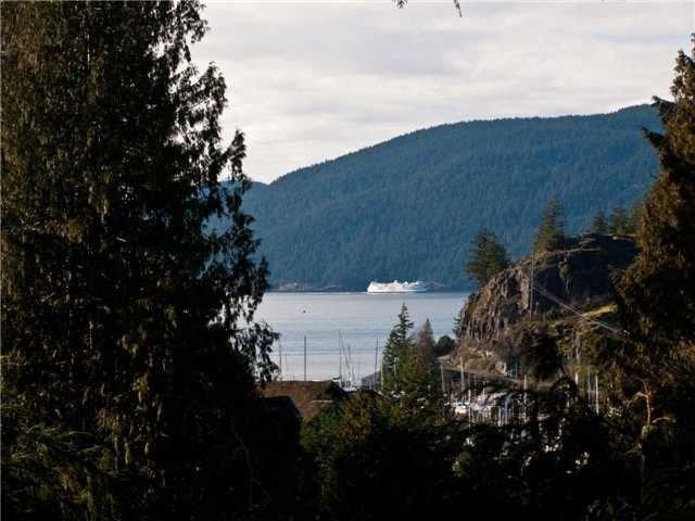 Main Photo: 5630 LARSON PL, Eagle Harbour, West Vancouver, BC, V7W 1S4 in West Vancouver: Eagle Harbour Residential Detached for sale : MLS®# V893628