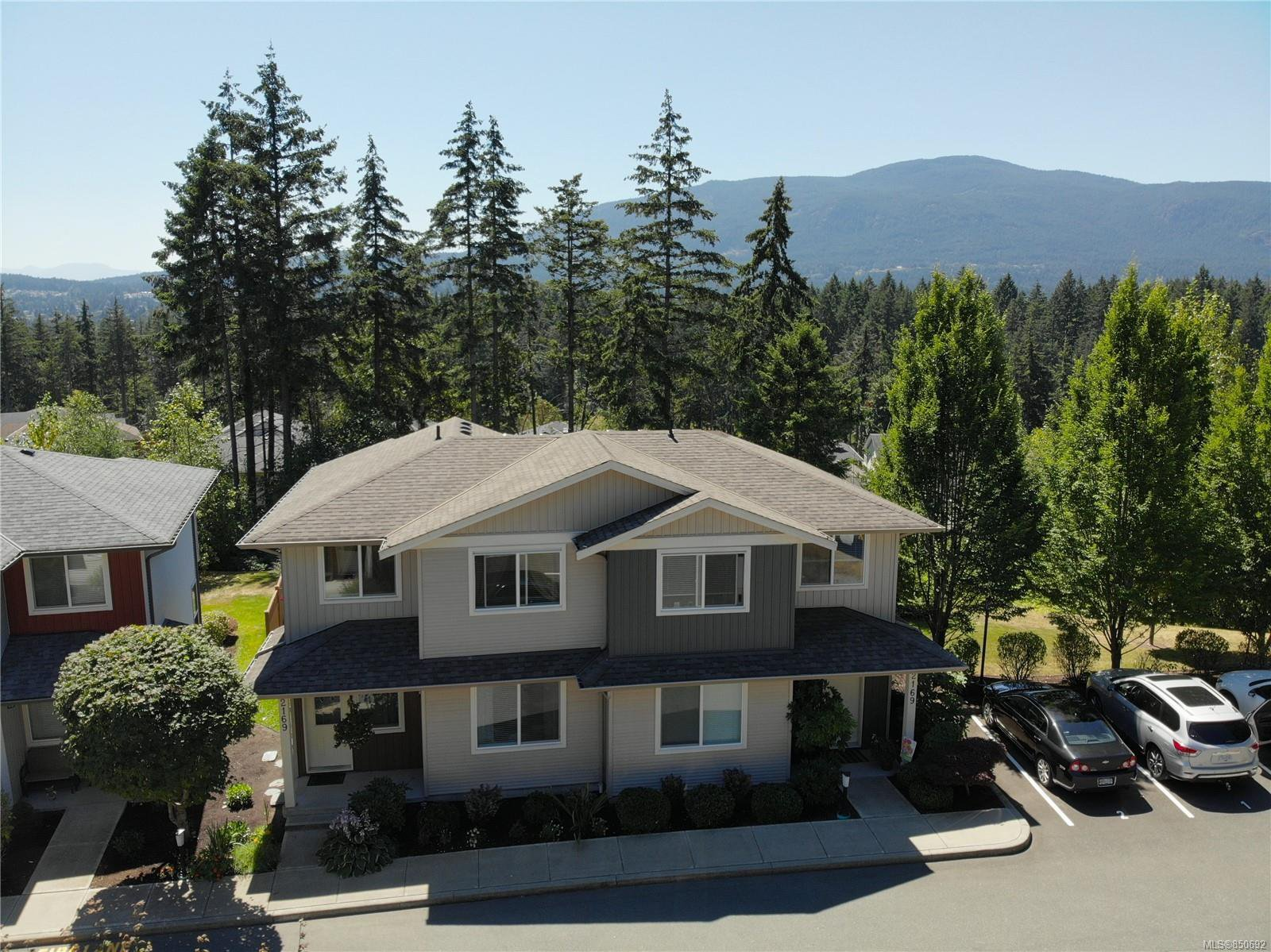 Main Photo: 102 2169 Ridgemont Pl in : Na Diver Lake Row/Townhouse for sale (Nanaimo)  : MLS®# 850692