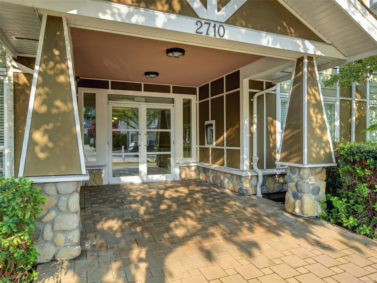 Main Photo: 202 2710 Jacklin Rd in : La Langford Proper Condo for sale (Langford)  : MLS®# 857227