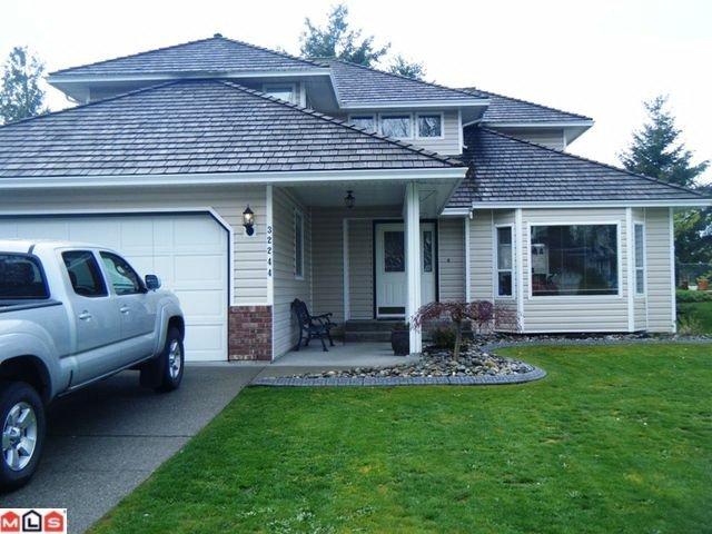 """Main Photo: 32244 CLINTON Avenue in Abbotsford: Abbotsford West House for sale in """"Fairfield Estate"""" : MLS®# F1111010"""