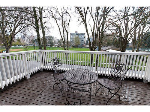 Photo 8: Photos: 5837 ELM Street in Vancouver West: Kerrisdale Home for sale ()  : MLS®# V954618