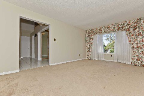 Photo 4: Photos: 17 Oakington Place in Mississauga: Streetsville House (2-Storey) for sale : MLS®# W3041030