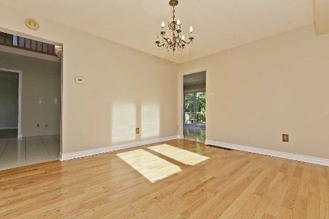 Photo 5: Photos: 17 Oakington Place in Mississauga: Streetsville House (2-Storey) for sale : MLS®# W3041030