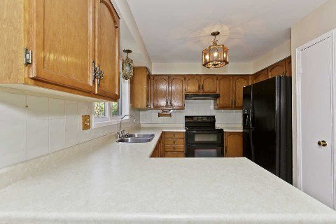 Photo 18: Photos: 17 Oakington Place in Mississauga: Streetsville House (2-Storey) for sale : MLS®# W3041030