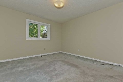 Photo 9: Photos: 17 Oakington Place in Mississauga: Streetsville House (2-Storey) for sale : MLS®# W3041030