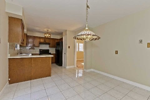 Photo 2: Photos: 17 Oakington Place in Mississauga: Streetsville House (2-Storey) for sale : MLS®# W3041030