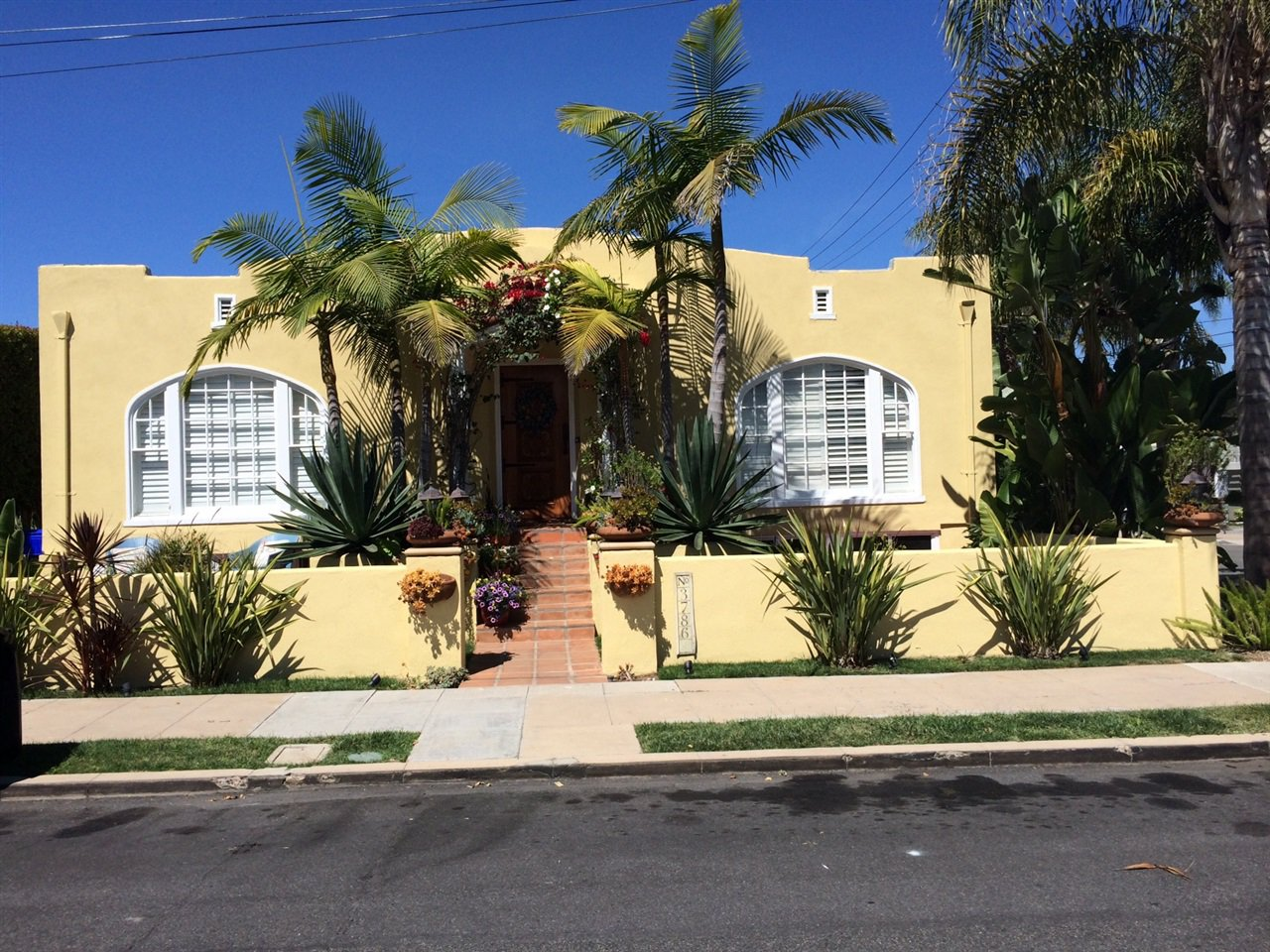 Main Photo: MISSION HILLS House for sale : 2 bedrooms : 3786 Pioneer in San Diego