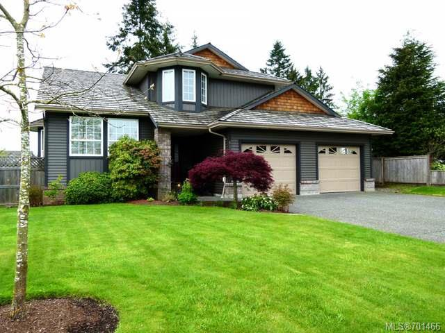 Main Photo: 611 Cambridge Drive Campbell River, Real Estate Properties, Remax Check Realty