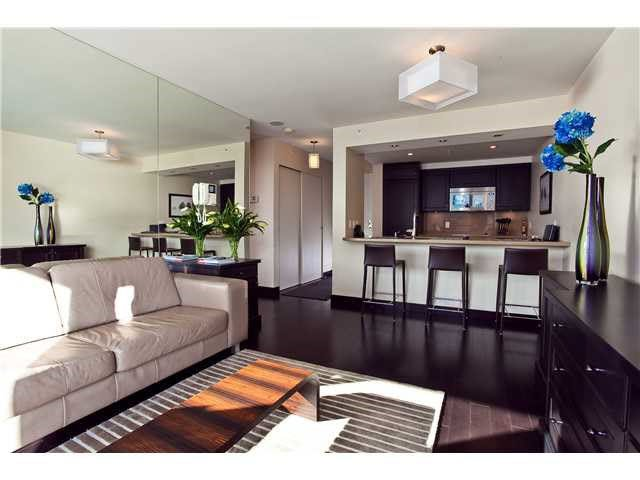 """Photo 2: Photos: 902 1288 MARINASIDE Crescent in Vancouver: Yaletown Condo for sale in """"CRESTMARK"""" (Vancouver West)  : MLS®# V1138811"""