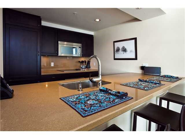 """Photo 5: Photos: 902 1288 MARINASIDE Crescent in Vancouver: Yaletown Condo for sale in """"CRESTMARK"""" (Vancouver West)  : MLS®# V1138811"""