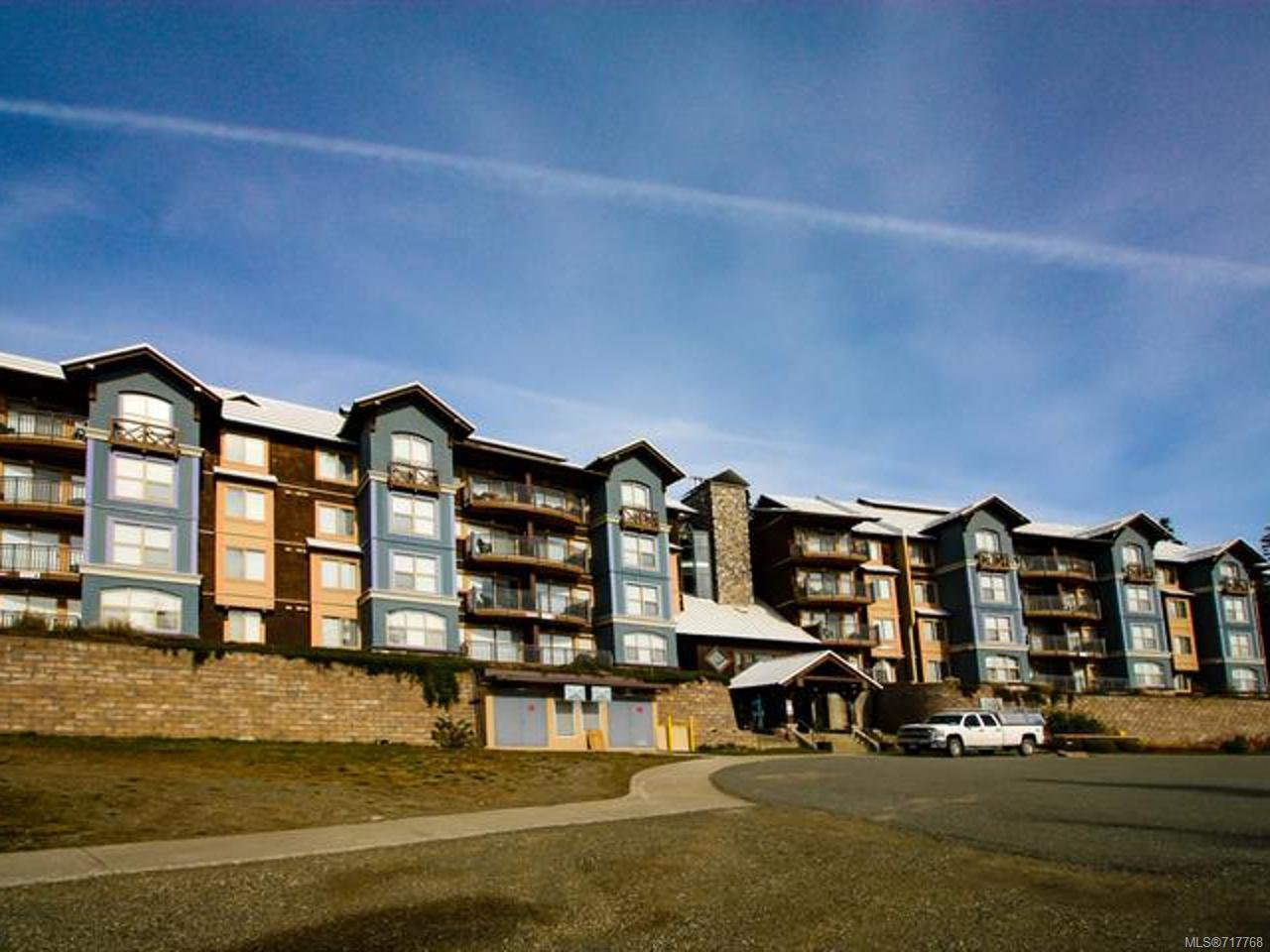 Main Photo: 202 1280 Alpine Road Mount Washington Courtenay Remax Check Realty