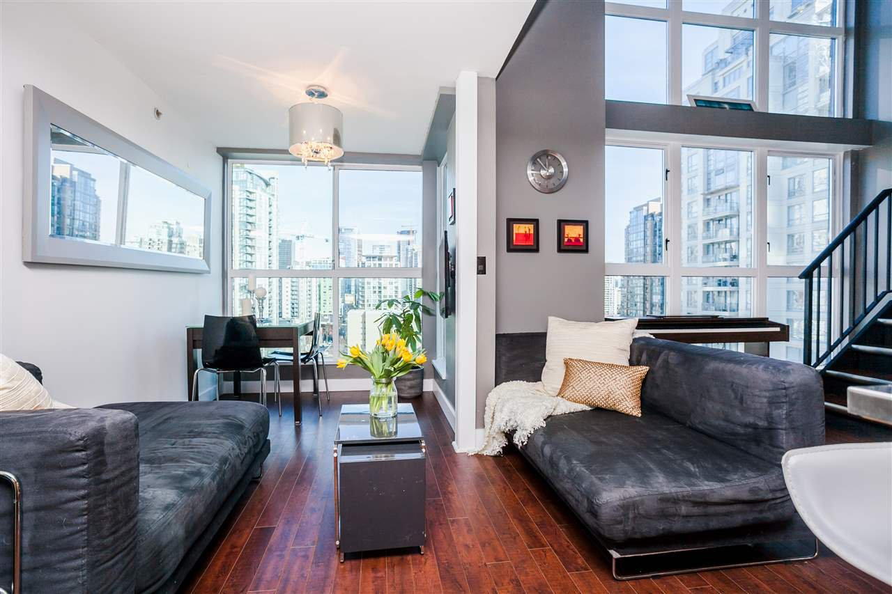 "Main Photo: 807 1238 SEYMOUR Street in Vancouver: Downtown VW Condo for sale in ""SPACE"" (Vancouver West)  : MLS®# R2033059"