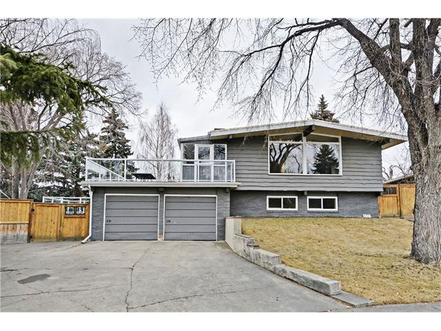 Main Photo: 8 LORNE Place SW in Calgary: North Glenmore Park House for sale : MLS®# C4052972