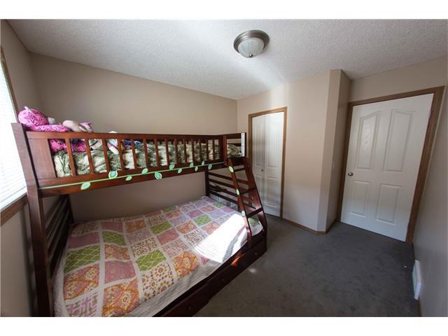 Photo 19: Photos: 53 EVERRIDGE Court SW in Calgary: Evergreen House for sale : MLS®# C4065878