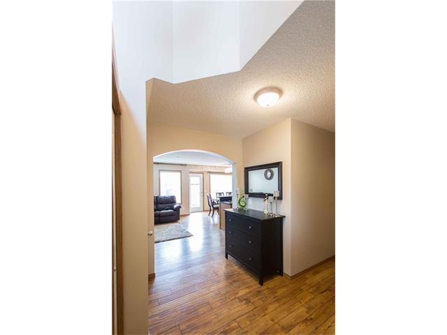 Photo 2: Photos: 53 EVERRIDGE Court SW in Calgary: Evergreen House for sale : MLS®# C4065878