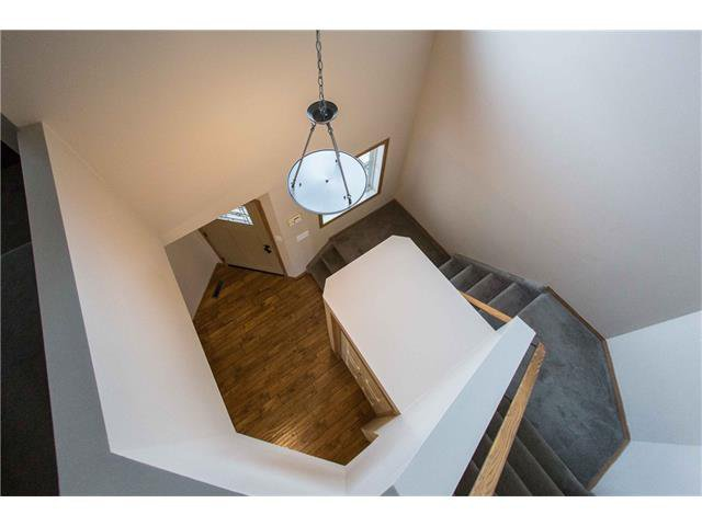 Photo 10: Photos: 53 EVERRIDGE Court SW in Calgary: Evergreen House for sale : MLS®# C4065878