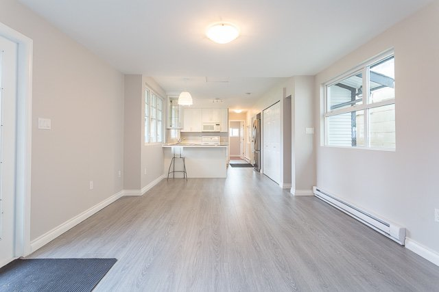 Photo 6: Photos: 20561 BATTLE Avenue in Maple Ridge: Southwest Maple Ridge House for sale : MLS®# R2139958