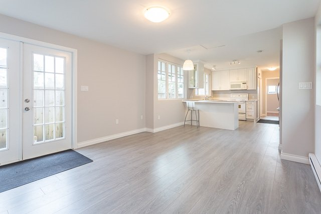 Photo 8: Photos: 20561 BATTLE Avenue in Maple Ridge: Southwest Maple Ridge House for sale : MLS®# R2139958