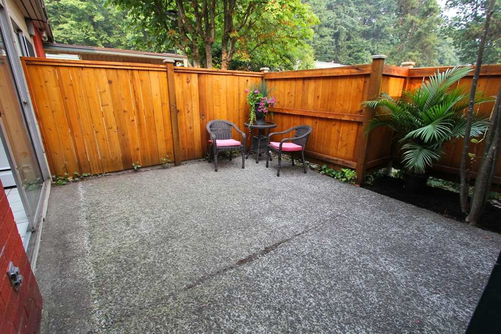 """Main Photo: 761 WESTVIEW Crescent in North Vancouver: Upper Lonsdale Townhouse for sale in """"CYPRESS GARDENS"""" : MLS®# R2195487"""
