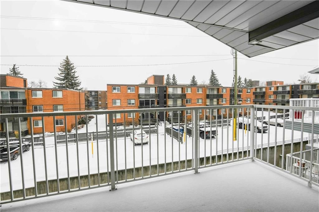 Photo 13: Photos: 407 525 56 Avenue SW in Calgary: Windsor Park Condo for sale : MLS®# C4144517
