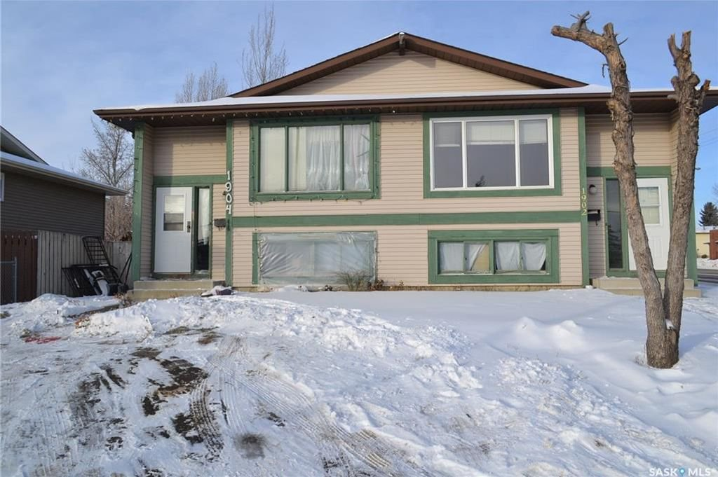 Main Photo: 1902 1904 Mckercher Drive in Saskatoon: Lakeview SA Residential for sale : MLS®# SK712048