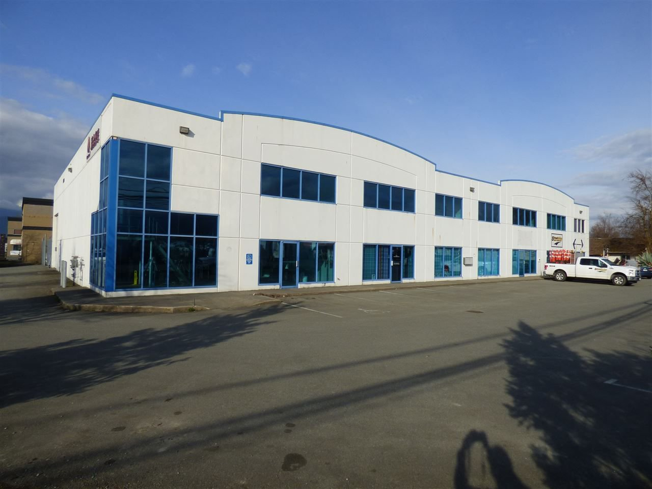 Main Photo: 7870 ENTERPRISE Drive in Chilliwack: Chilliwack Yale Rd West Industrial for sale : MLS®# C8018103