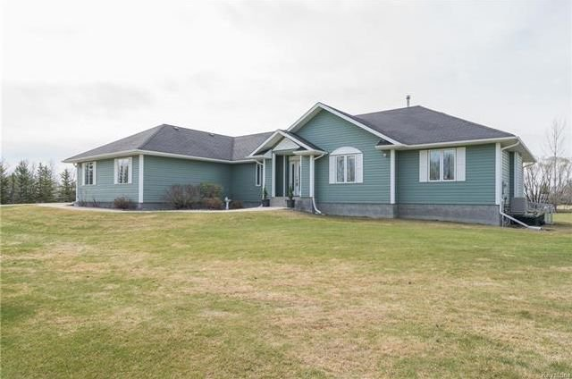 Main Photo: 2195 Cyril Place in Ile Des Chenes: R07 Residential for sale : MLS®# 1811744