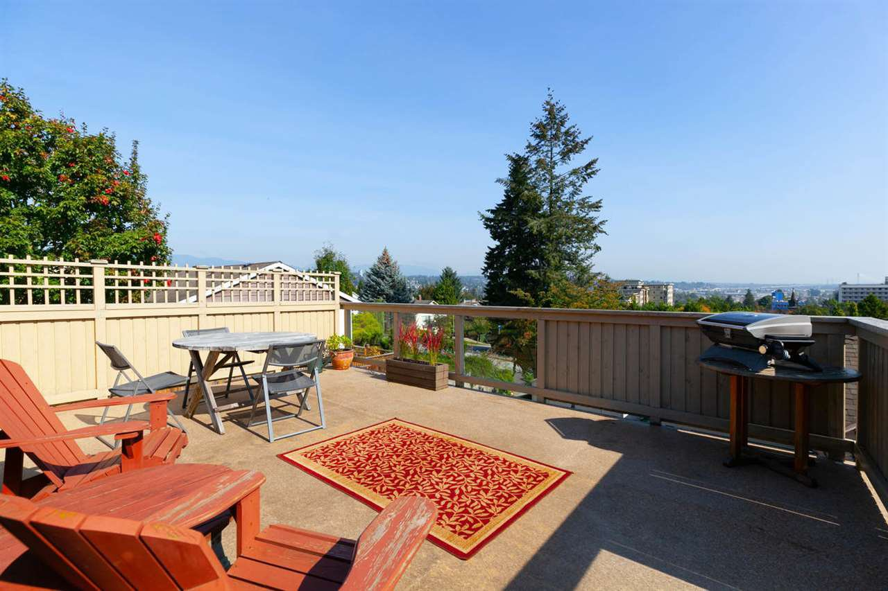 """Photo 16: Photos: 355 SHERBROOKE Street in New Westminster: Sapperton House for sale in """"Sapperton"""" : MLS®# R2332105"""