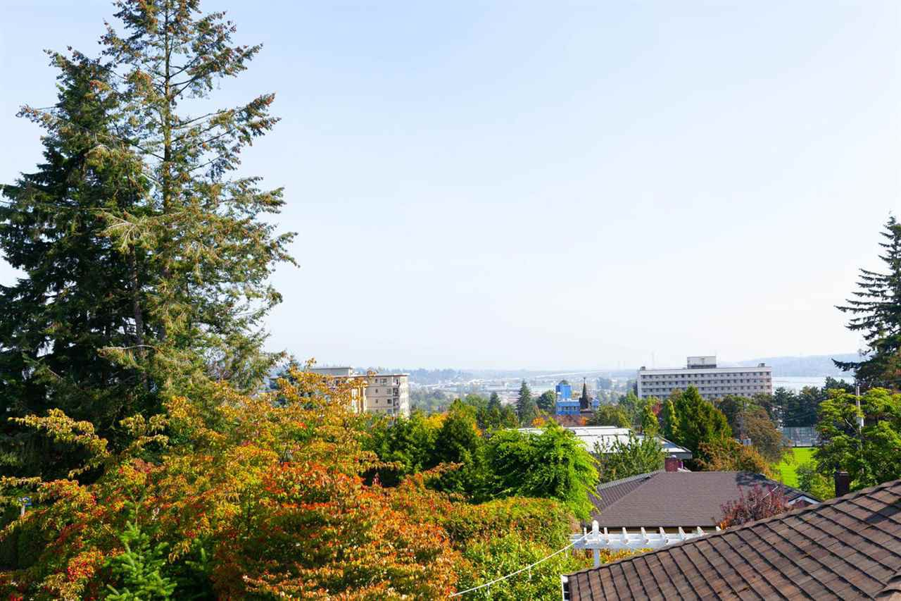 """Photo 18: Photos: 355 SHERBROOKE Street in New Westminster: Sapperton House for sale in """"Sapperton"""" : MLS®# R2332105"""