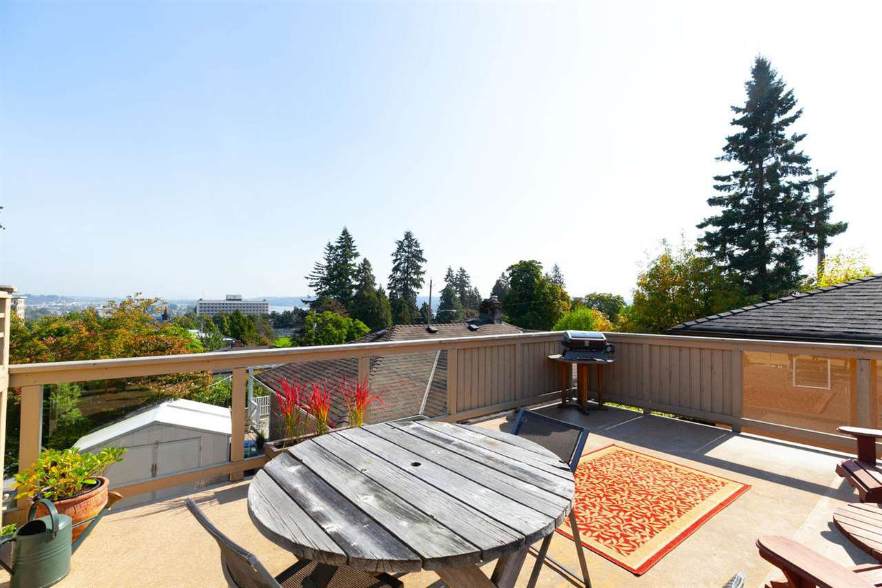 """Photo 17: Photos: 355 SHERBROOKE Street in New Westminster: Sapperton House for sale in """"Sapperton"""" : MLS®# R2332105"""