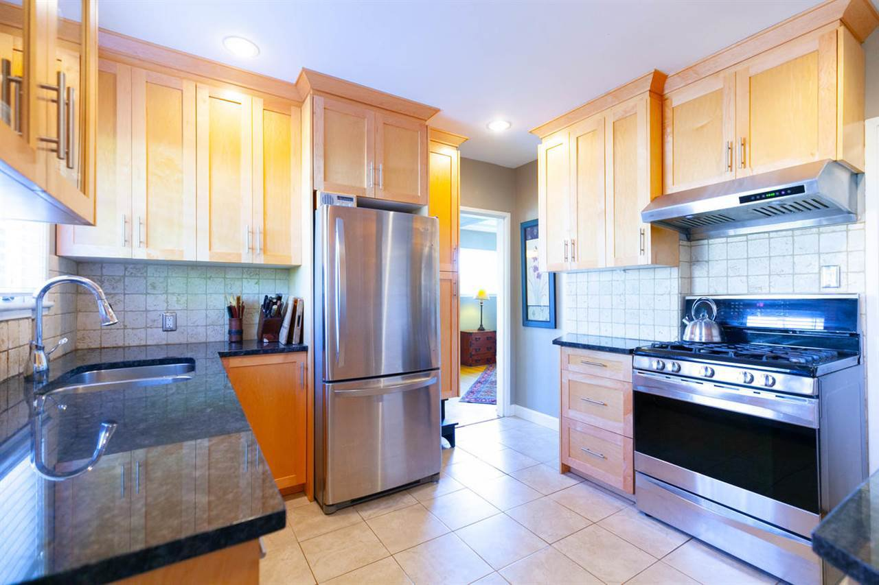 """Photo 4: Photos: 355 SHERBROOKE Street in New Westminster: Sapperton House for sale in """"Sapperton"""" : MLS®# R2332105"""