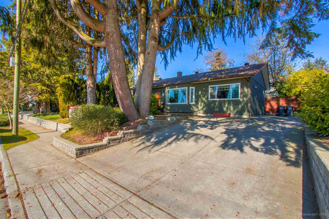 Main Photo: 725 ALDERSON Avenue in Coquitlam: Coquitlam West House for sale : MLS®# R2365334