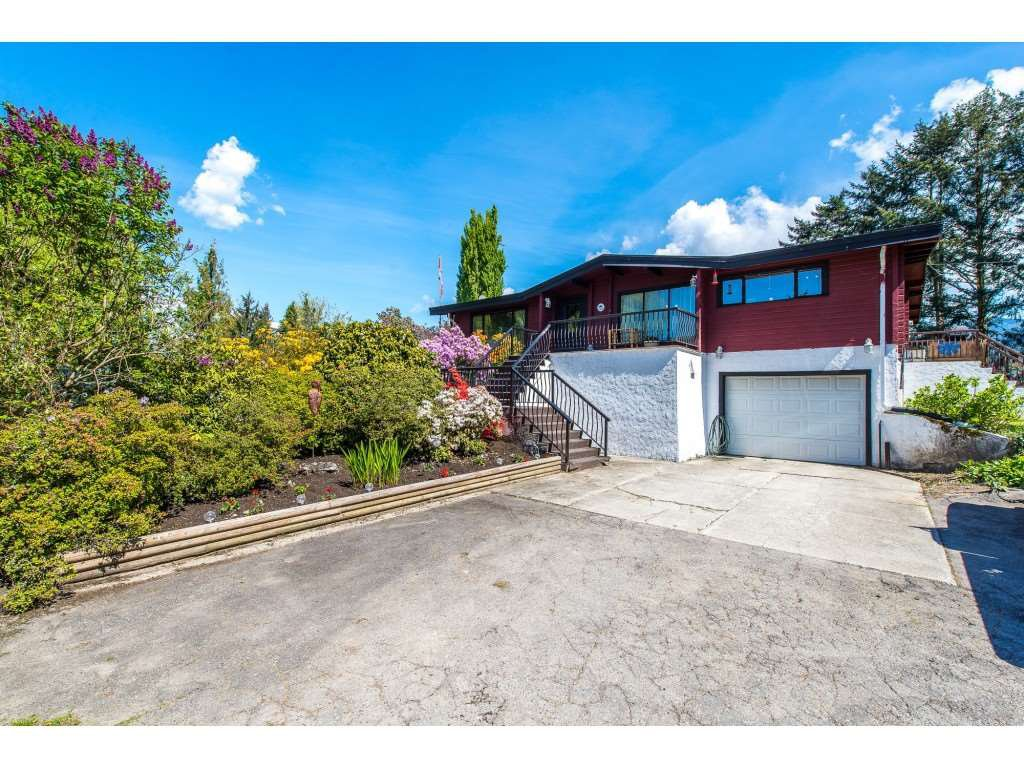 Main Photo: 8801 EAGLE Road in Mission: Dewdney Deroche House for sale : MLS®# R2367488