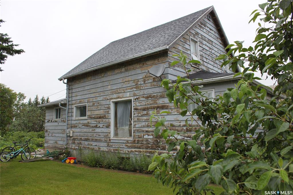 Main Photo: 115 First Avenue in Melfort: Residential for sale : MLS®# SK781933