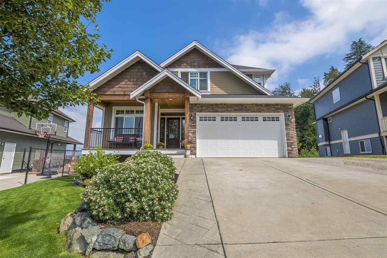 Main Photo: 51125 SOPHIE Crescent in Chilliwack: Eastern Hillsides House for sale : MLS®# R2395598