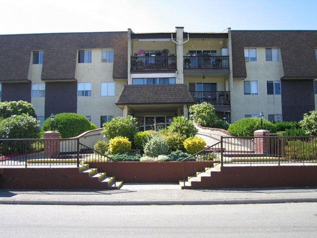 "Main Photo: 234 2821 TIMS Street in Abbotsford: Abbotsford West Condo for sale in ""Parkview Estates"" : MLS®# R2397932"