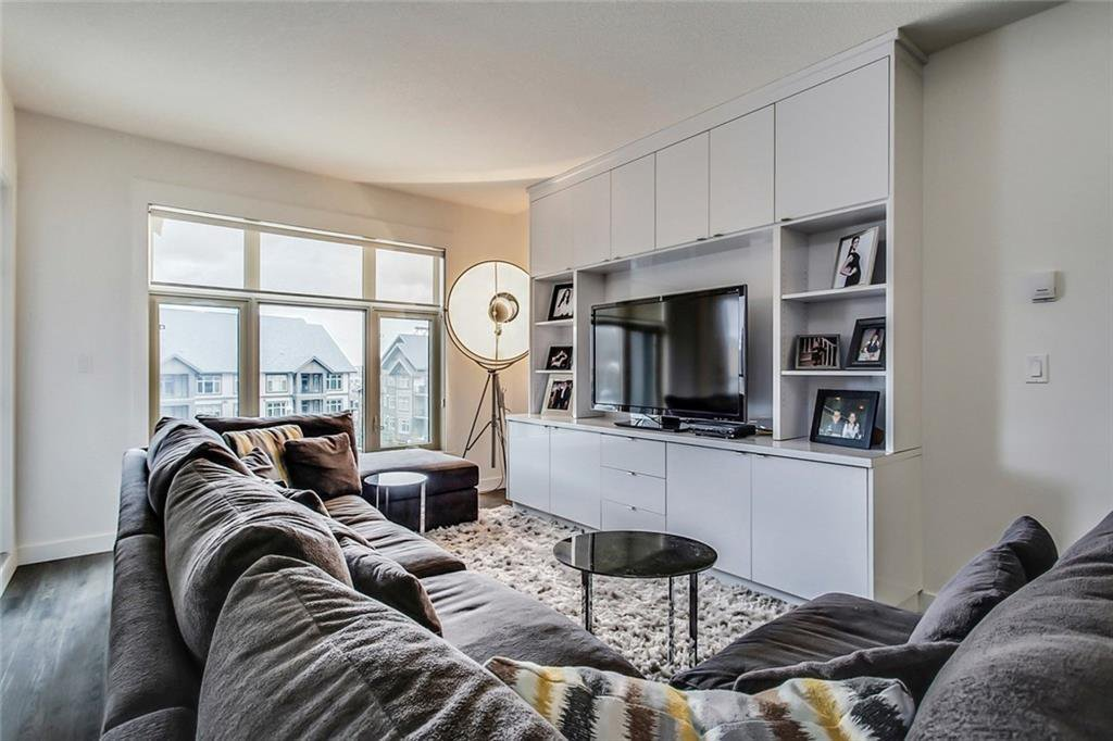Main Photo: 227 15 ASPENMONT Heights SW in Calgary: Aspen Woods Apartment for sale : MLS®# C4275750