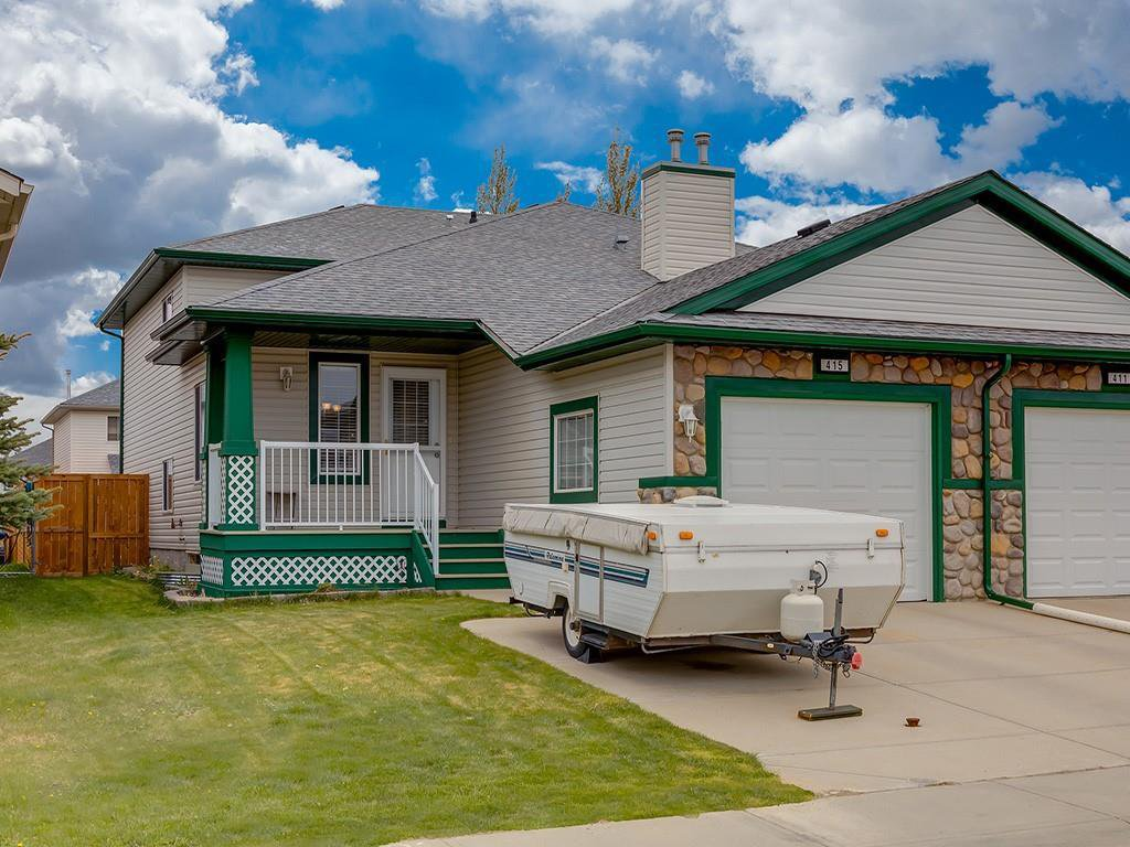 Main Photo: 415 STONEGATE Rise NW: Airdrie Semi Detached for sale : MLS®# C4299207